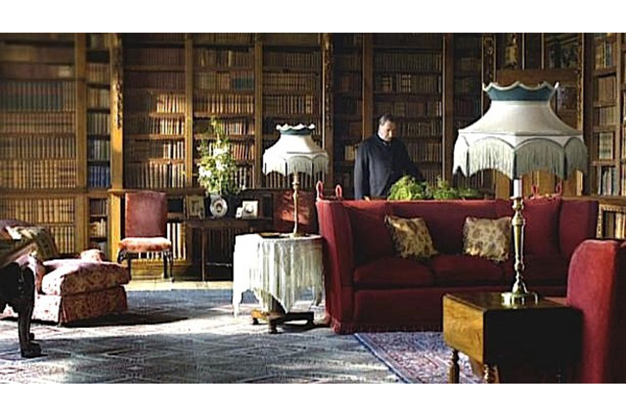 Knole Settee in Downton Abbey