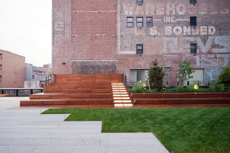 Outdoor seating at the highline