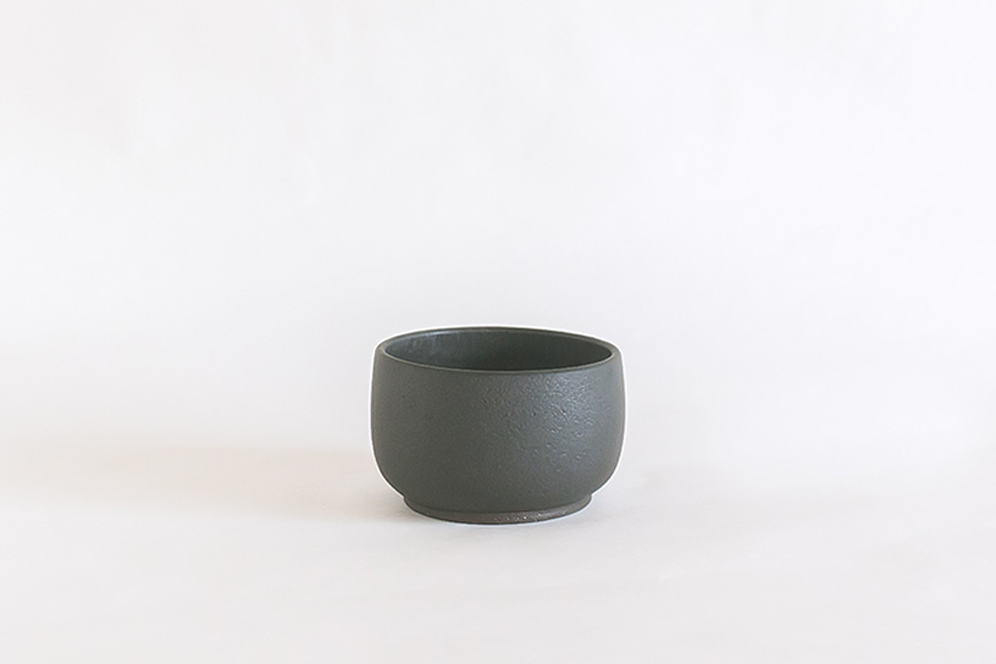 Small Pot by Misa Kumabuchi.