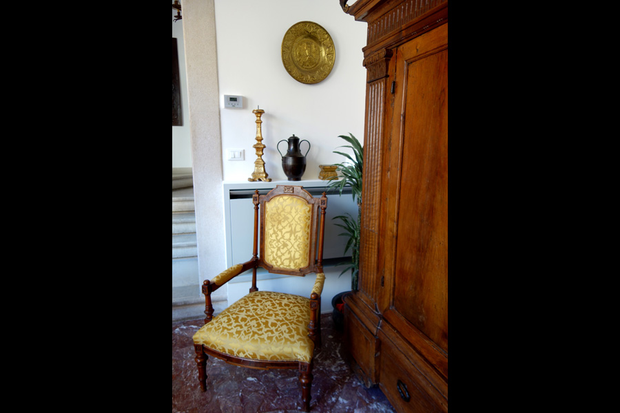 Toma Clark Haines Venice Antique Chair