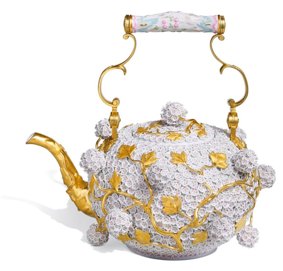 This  teapot reproduced by Meissen after one created in 1739 is much like the one that inspired Vipoo Srivilasa