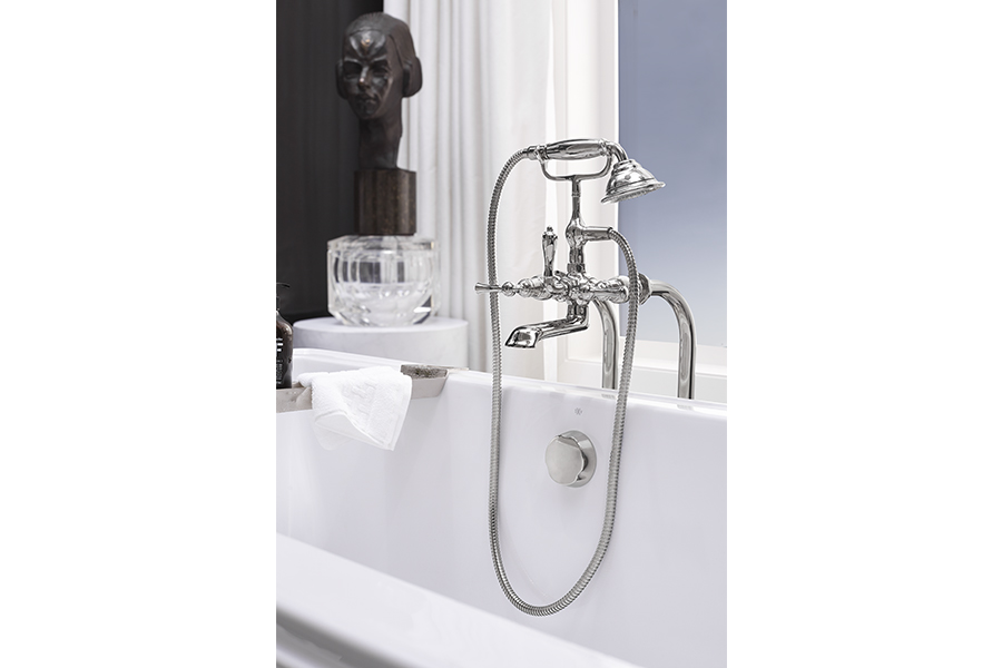 Transitional Floor Mounted Bathtub Faucet with Randall Lever Handles