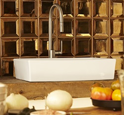 DXV Isle Pull-Down Kitchen Faucet
